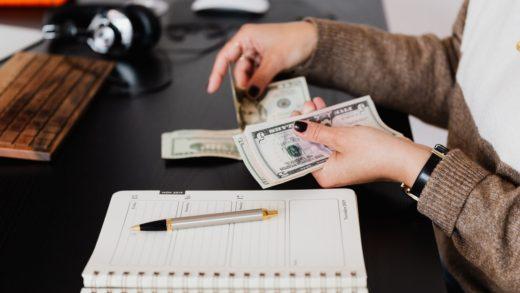 4 principais diferenças entre crédito comercial e pessoal (Foto de Karolina Grabowska no Pexels)